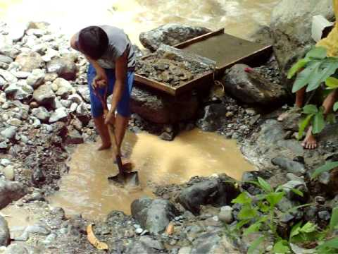 Philippines 2008 panning for gold