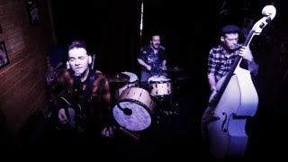 Johnny7 & the Black Crabs play Stupid Games @The Landmark in PDX