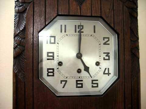 Đồng hồ treo tường cổ hiệu GB - chơi nhạc và điểm chuông.