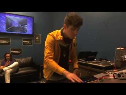 Porter Robinsons full livemix at Beatports Denver Office [08.07.12]