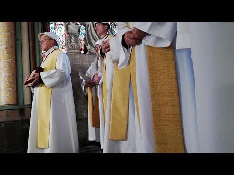 بعد شهرين على الحريق.. إحياء أول قداس في كاتدرائية نوتردام …