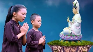 Hai chị em hát dưới tượng Bồ Tát Quan Âm cầu an cho Mẹ làm triệu người cảm động