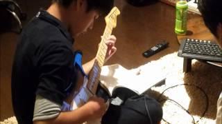 息子のエレキギター練習風景です。 最近は部活に忙しくなかなか練習でき...