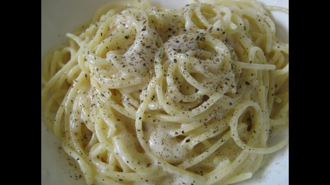 Spaghetti cacio e pepe - Pepper and Cheese Spaghetti - YouTube