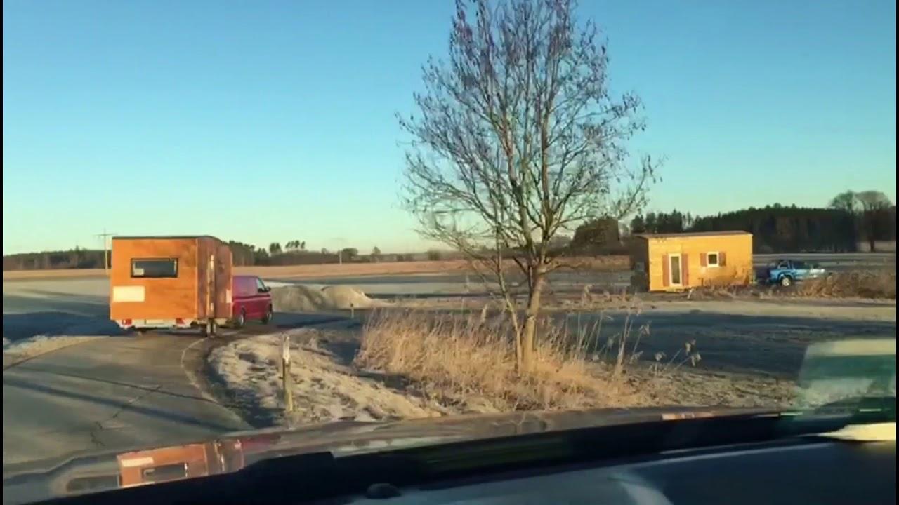 Tiny House Und Holzwohnwagen Auf Dem Weg Nach München