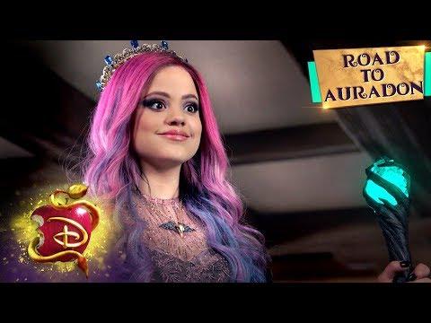 Audrey is Back! 👑 | Road to Auradon | Descendants 3