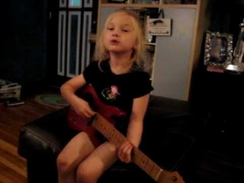 Texas 4-yr-old sings Itsy Bitsy Spider