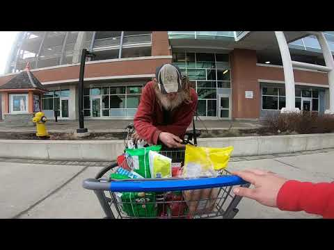 Marty and Jodi in the Morning - Feel Good: Good Samaritan Shares Snacks With Strangers in Ontario