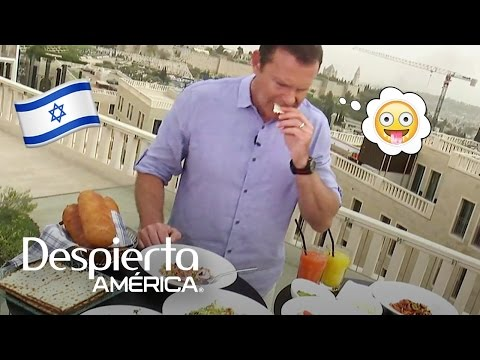 Alan nos mostró la comida típica de la Pascua judía