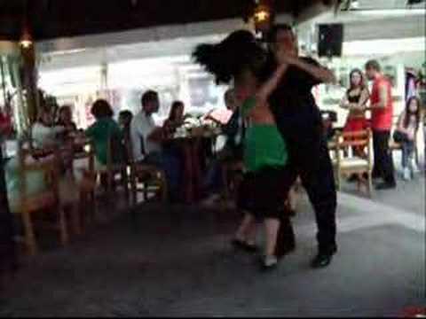 Apresentação de Forró do studio de dança Airton Ar...