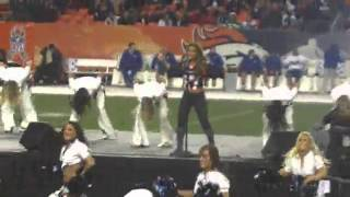 "Jessie James - ""Wanted"" / ""Man I Feel Like A Woman"" Live @ Broncos vs Jets Halftime Show"