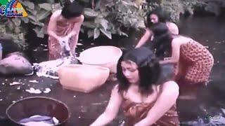 Download Video gadis desa mandi di sungai MP3 3GP MP4