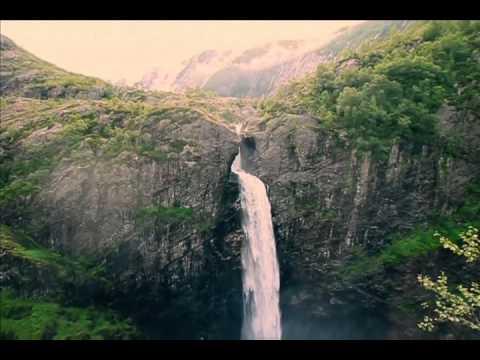Somewhere Over The Rainbow ~ Stunning version ~ Celtic Borders