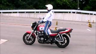 バイク免許(大型自動二輪)波状路の教習風景@教官