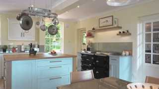 In Frame Shaker Kitchen In Green Blue & Wimborne White