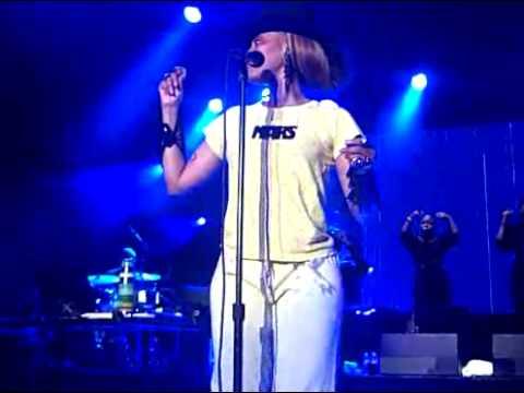 Erykah Badu On & On Reprise Rap Live @ The Greek Los Angeles, CA June 2010