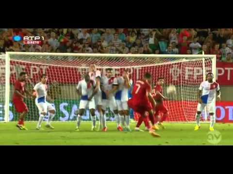 [Màn Trình Diễn Đẳng Cấp Của Cristiano Ronaldo] Ronaldo một mình chống lại hàng thủ Hà Lan