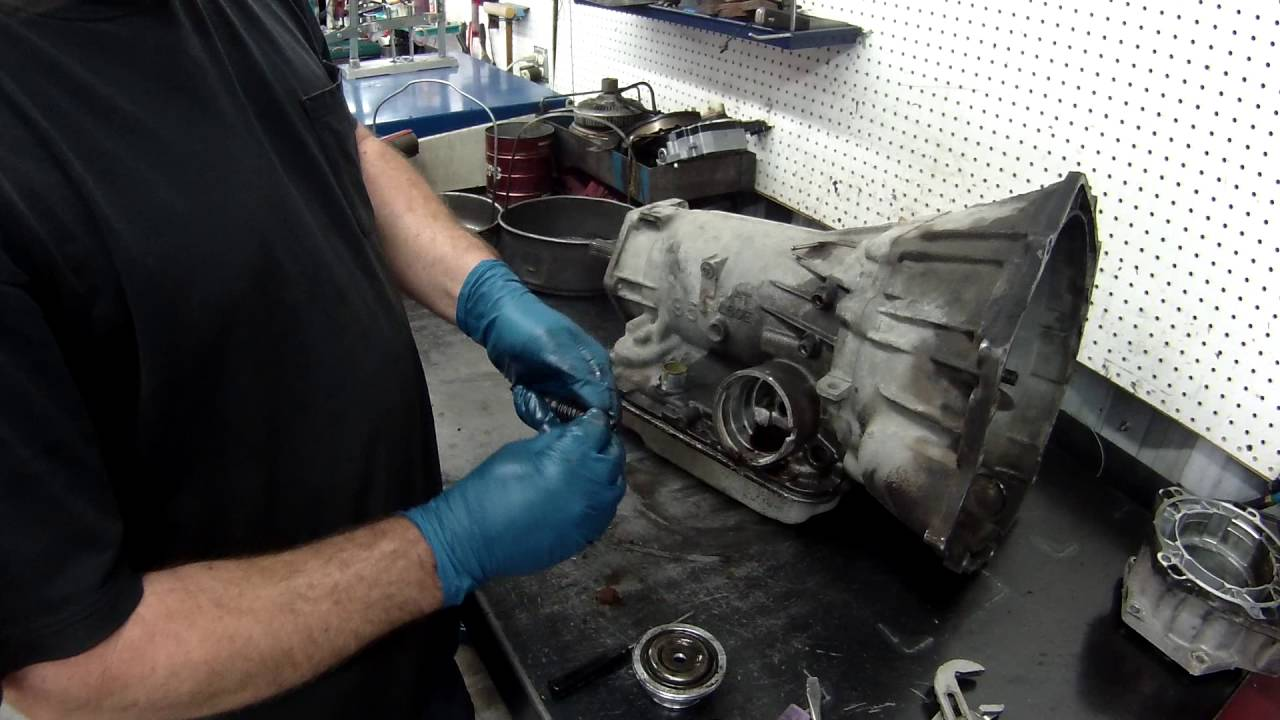 4L60E Part 1 (proper disassembly)