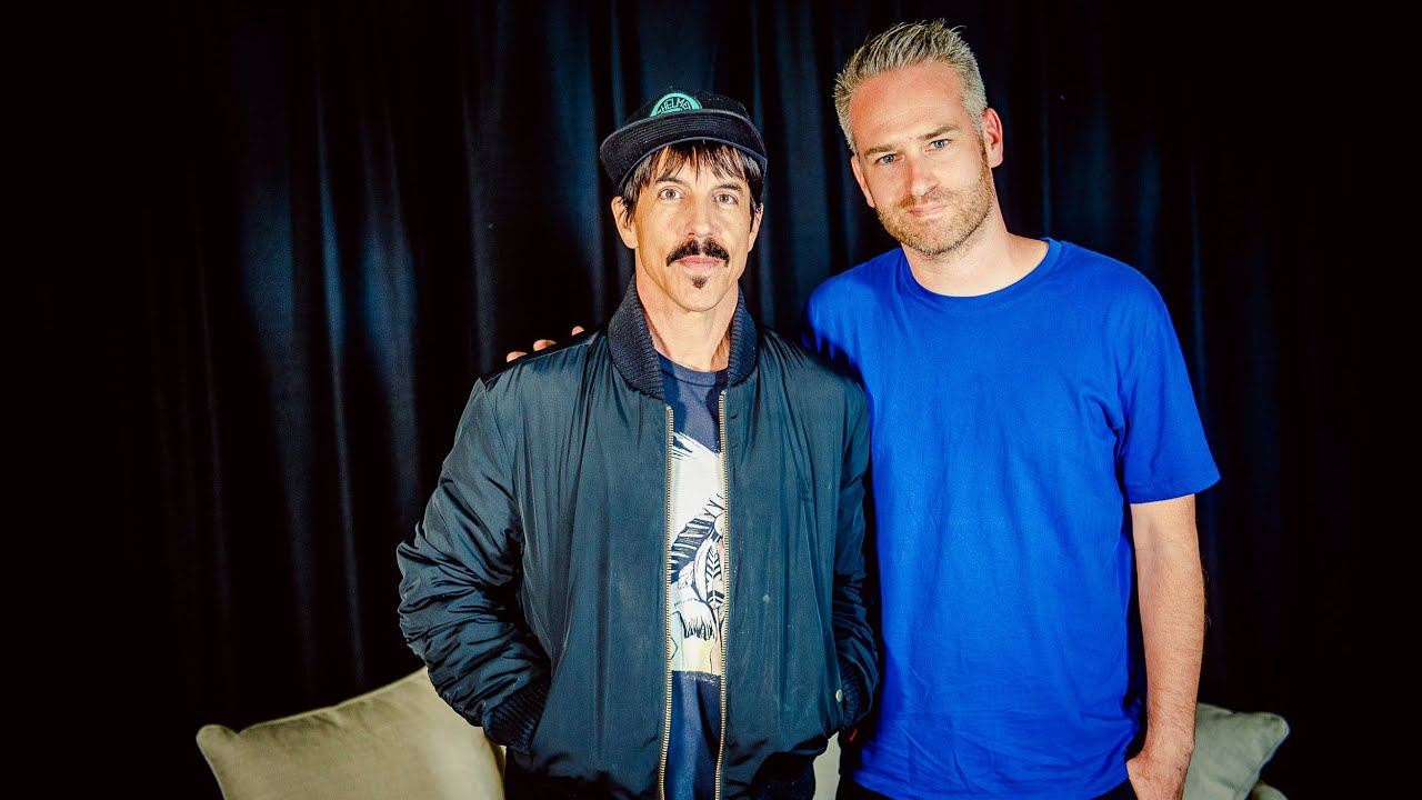 interview anthony kiedis van red hot chili peppers rock werchter 2016 youtube. Black Bedroom Furniture Sets. Home Design Ideas