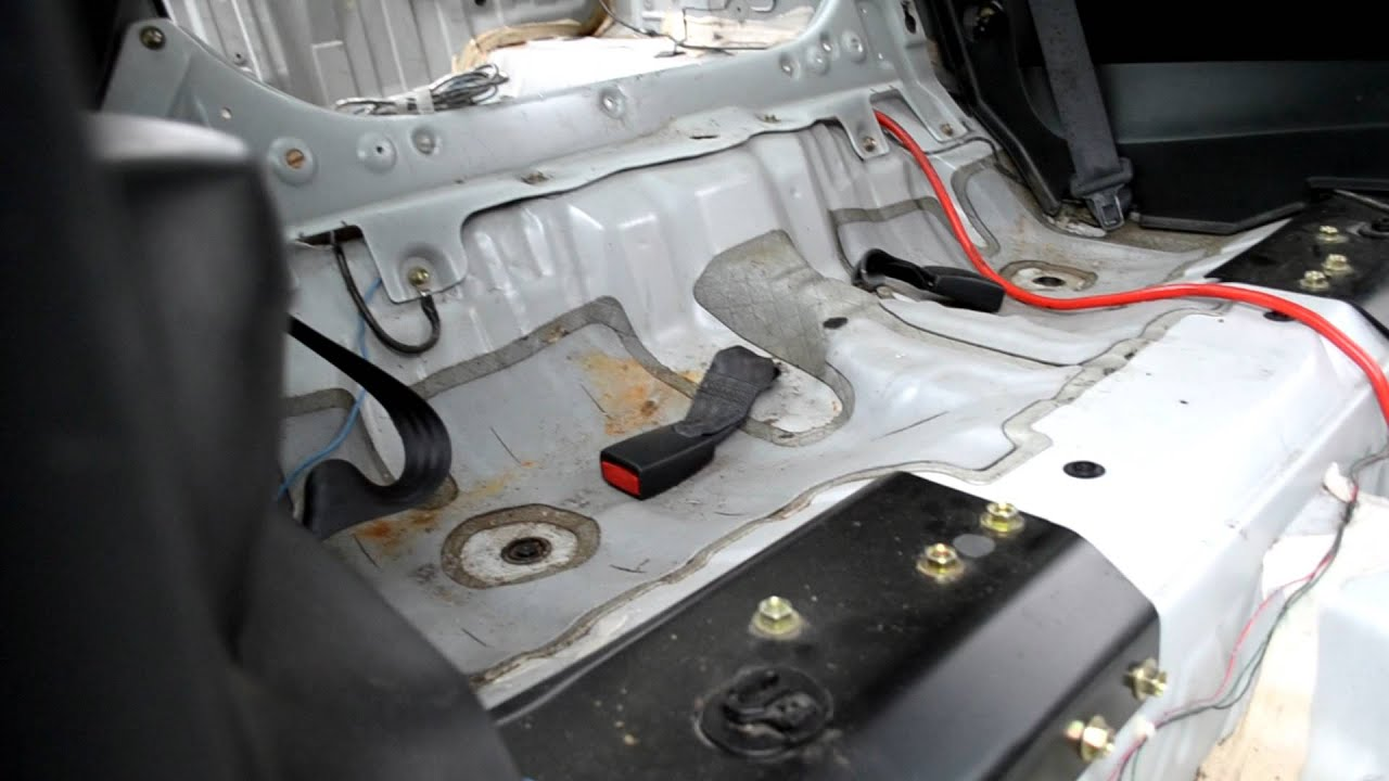 Gutted out 98 Prelude Interior - YouTube
