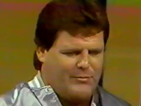LARRY SHARPE CONFRONTS JERRY LAWLER-1986