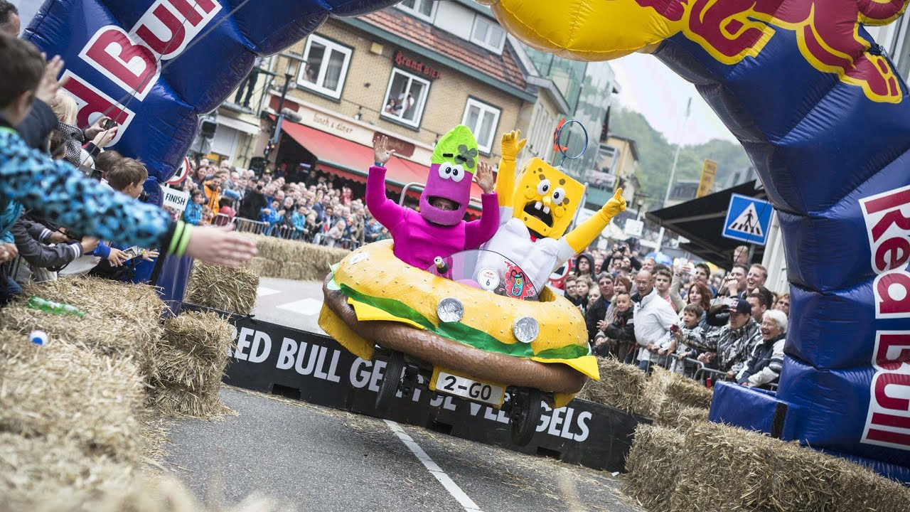 soapbox carnage in the netherlands red bull soapbox race. Black Bedroom Furniture Sets. Home Design Ideas