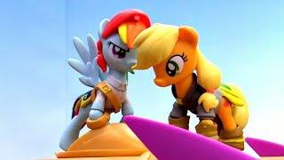 Литл Пони против Кризалис. Игрушки Пони - Мультики для девочек