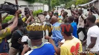 Naira Marley escorted into court by fans for his bail application