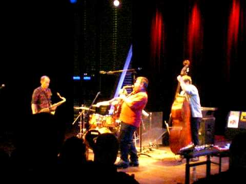 Endangered Blood (Jim Black, Chris Speed, Oscar Noriega, Trevor Dunn) live at Bimhuis, Amsterdam 1