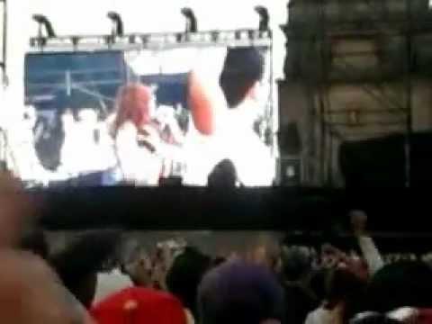 Intentalo 3BallMTY en el concierto de Justin Bieber en el Zocalo del D.F