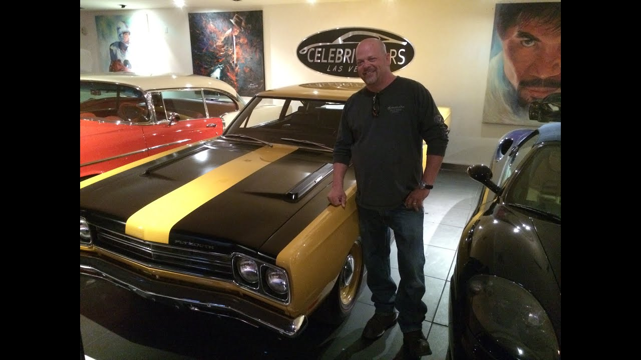 plymouth roadrunner rick harrison of pawn stars at celebrity cars las vegas youtube. Black Bedroom Furniture Sets. Home Design Ideas