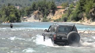 Toyota Land Cruiser Vx 80 Cross The River