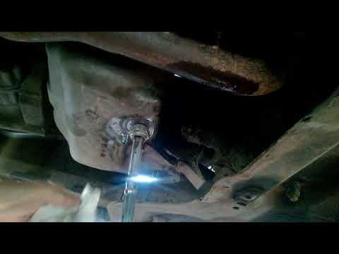Нарезание резьбы для сливной пробки картера двигателя