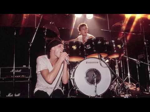 MIDNIGHT OIL - Live @ The Royal Antler Hotel, Narrabeen - 02 May 1980