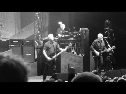 Bear cage-The Stranglers@Brixton academy,London 24th March 2017