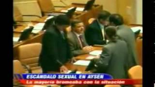 Repeat youtube video Sorprenden a diputado Alinco teniendo relaciones íntimas en una camioneta.