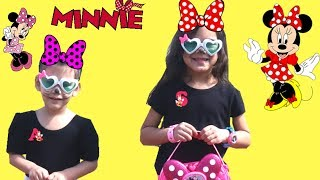 Minnie Mouse Make up and dress Up with Sam and Abby