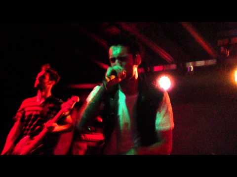 A Skylit Drive- Love The Way You Lie (cover) Live in Missouri HD