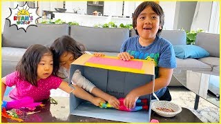 What's in the Box Challenge with Ryan Emma and Kate!!!!