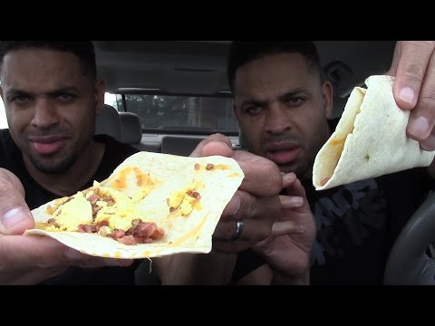 Tasting Taco Bell Egg & Bacon Breakfast Tacos @Hodgetwins