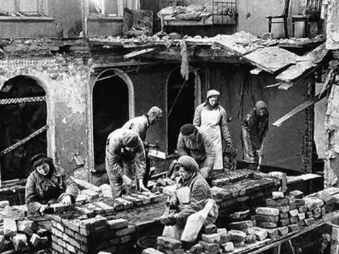 БЛОКАДА ЛЕНИНГРАДА. ПОГИБШИМ И ВЫЖИВШИМ. Leningrad blockade.wmv