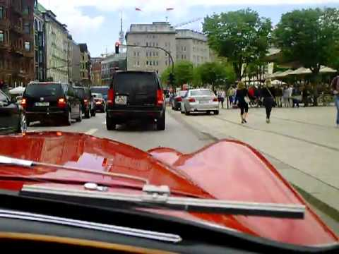 A ride in a 1954 Jaguar XK120 !! Awesome loud sound + acceleration