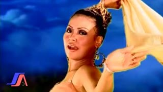 Video Wawa Marisa - Dingin (Official Music Video) download MP3, 3GP, MP4, WEBM, AVI, FLV Desember 2017