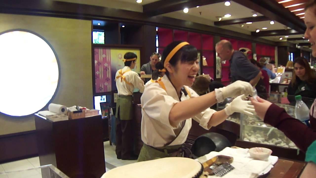 ff5f34518285 Venta de perlas cultivadas de Japon (Epcot) - YouTube