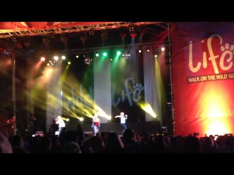 Atomic Kitten The Tide Is High Doncaster Wildlife Park August 26th 2017