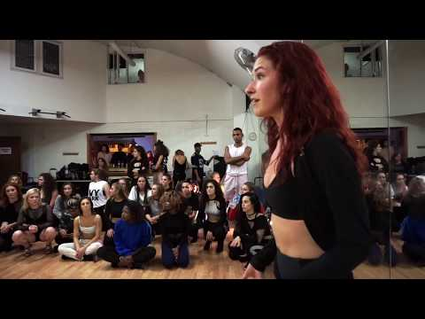 "Dani Vitale teaching in London ""Tell me you love me"" Demi Lovato"