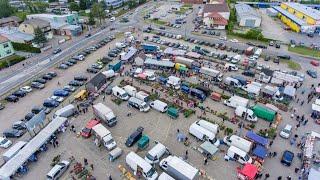 Targowisko miejskie w Ostrołęce w dzień handlowy