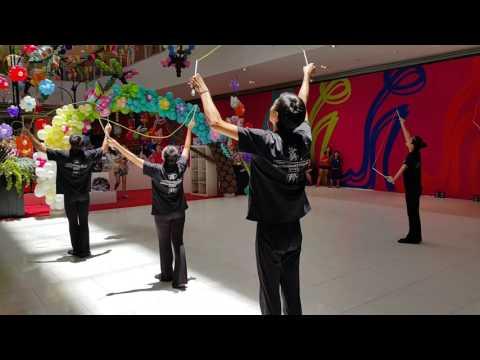 Synchronised Diabolo (Chinese Yo-Yo) Tricks