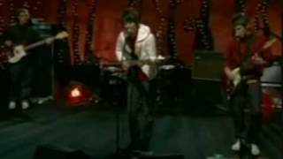 Arctic Monkeys - Dancing Shoes [live at MTV Discover & Download]