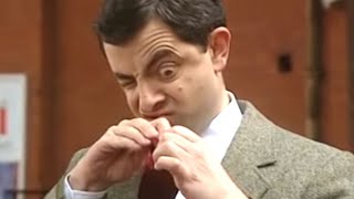 Bean Peeking | Funny Clips | Mr Bean Official